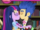 Поцелуи Твайлайт и Флеша
